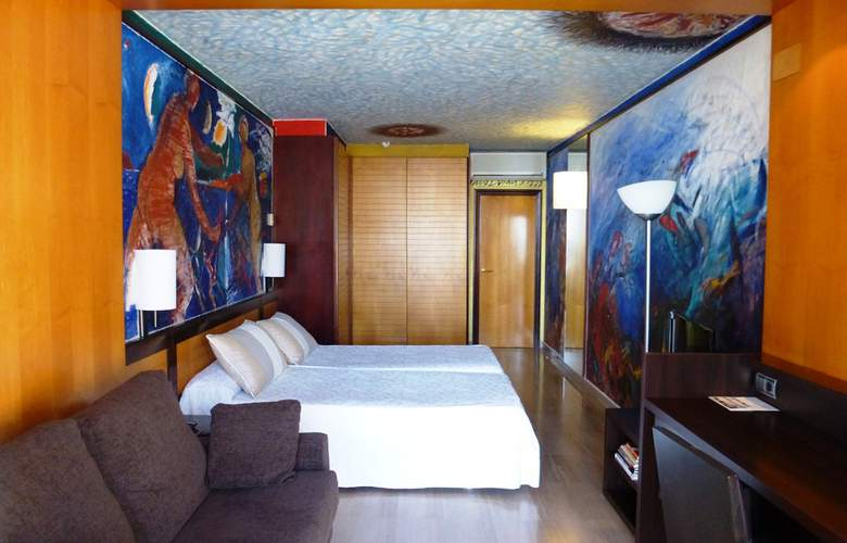 Estela Barcelona - Room - 13