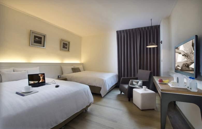 53 Hotel - Room - 2
