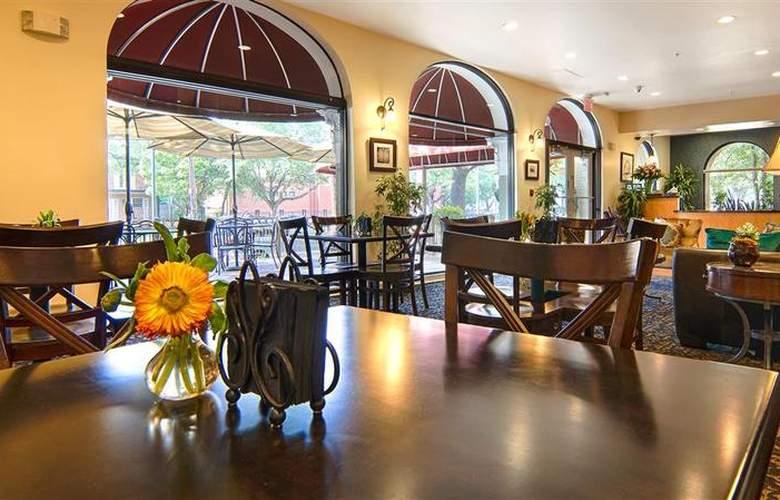 Best Western Plus St. Charles Inn - Hotel - 44