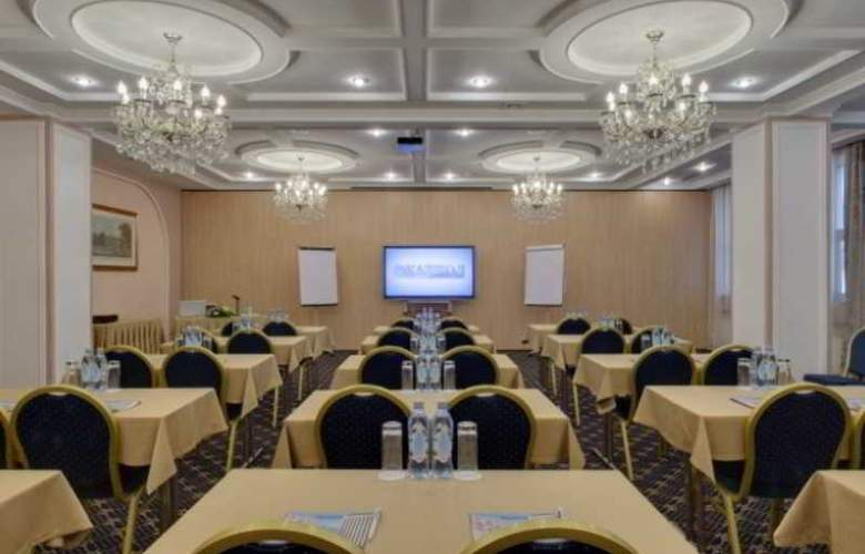Kazzhol - Conference - 12