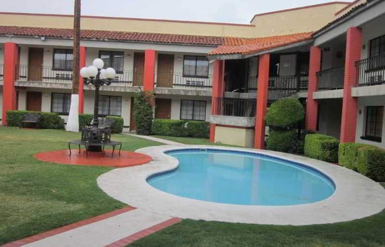Colonial Ciudad Juarez - Pool - 8