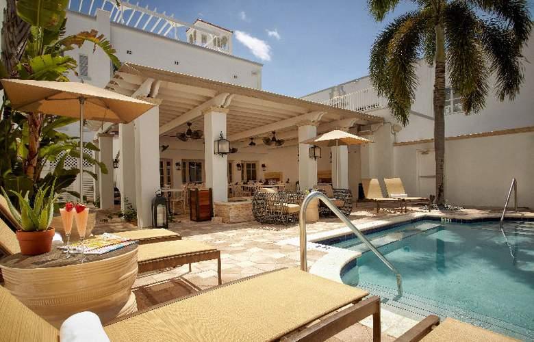 Blue Moon Hotel - Pool - 9