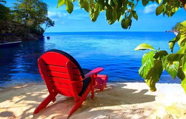 Geejam Hotel - Beach - 2