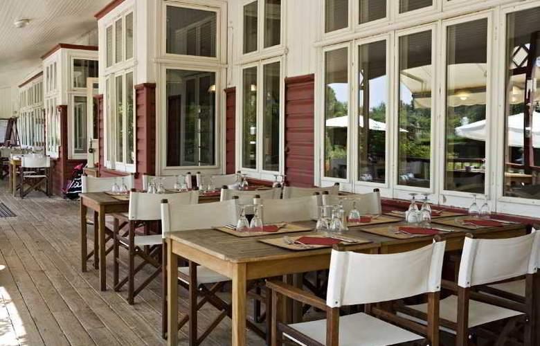 Best western Golf Hotel De Valescure - Terrace - 26