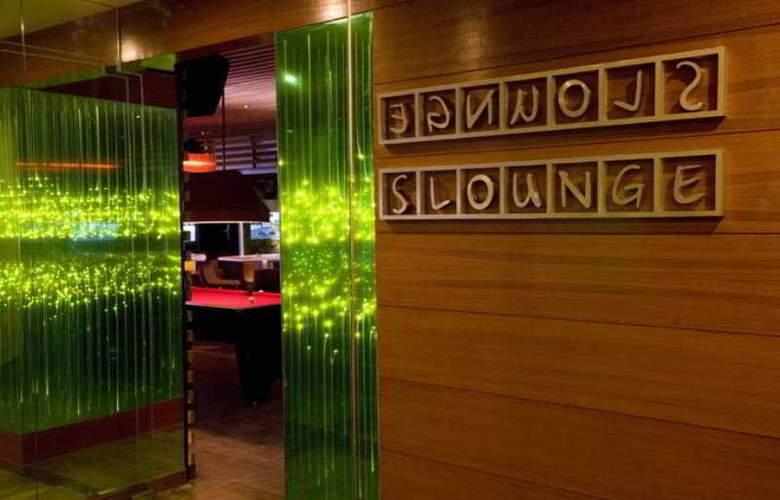 Lemon Tree Hinjawadi Pune Hotel - Restaurant - 11