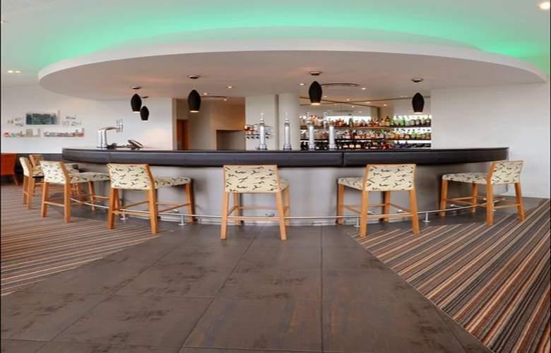 AC Hotel Manchester Salford Quays - Bar - 9
