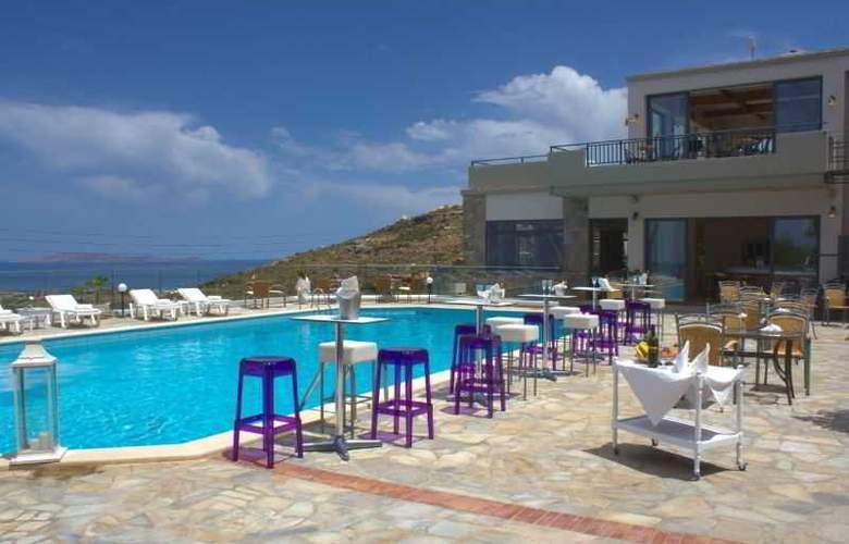 Happy Cretan Suites - Pool - 9