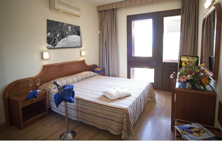 Adonis Plaza - Room - 3