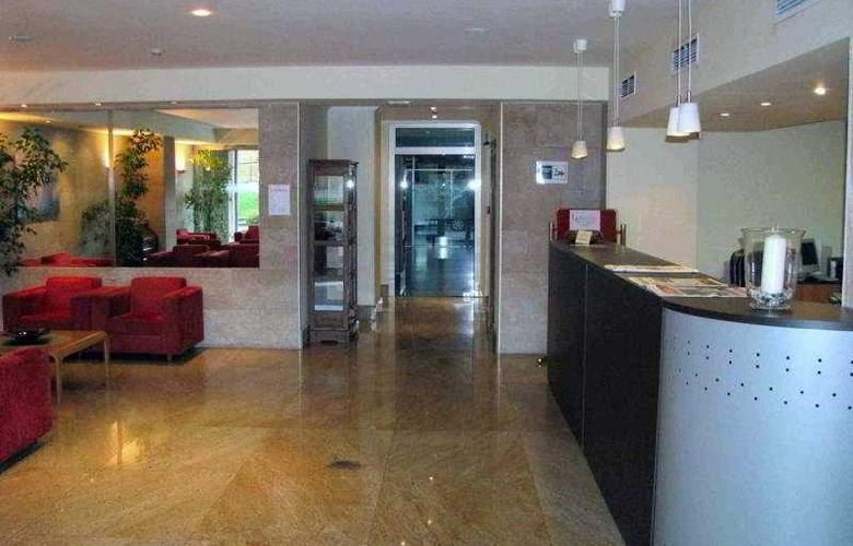 Longoria Avenida - Hotel - 0