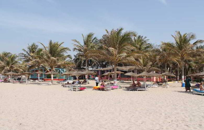 Palm Beach Hotel - Beach - 14