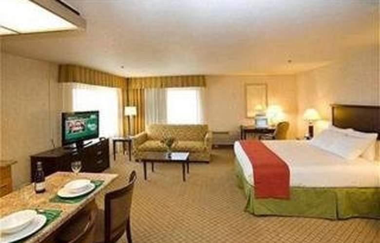 Holiday Inn Hotel & Suites Santa Maria - Room - 1