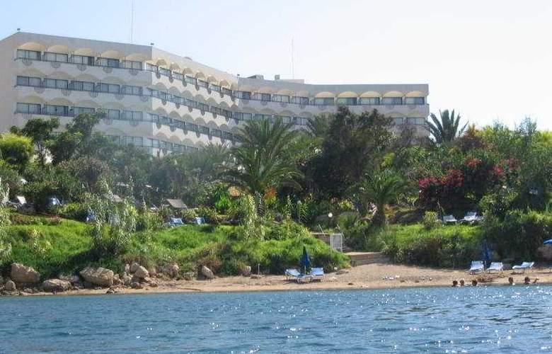 Crystal Springs - Beach - 6