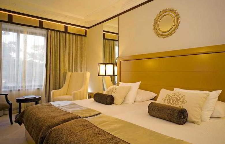 Grande Real Villa Italia - Room - 4