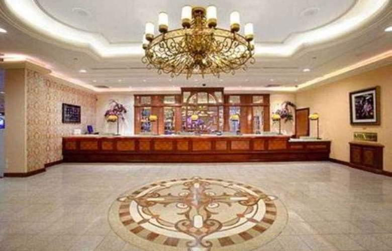 Gold Coast Hotel & Casino - Hotel - 0