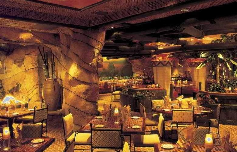 Fiesta Henderson Casino Hotel - Restaurant - 5