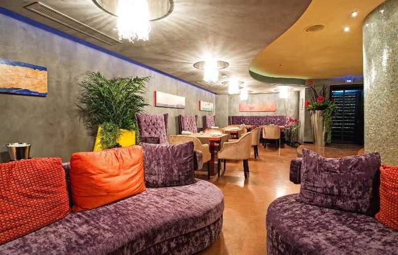 Les Fleurs Boutique Hotel - Restaurant - 16