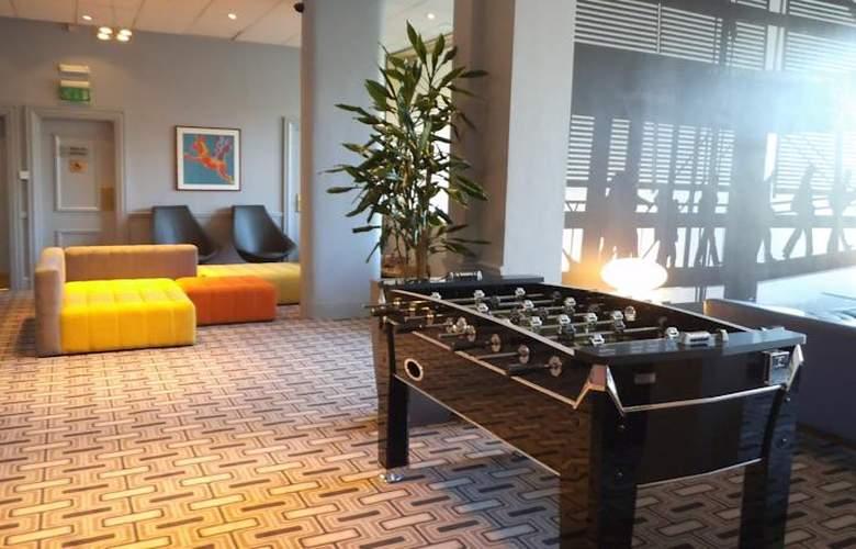 Britannia Airport Inn - Hotel - 2