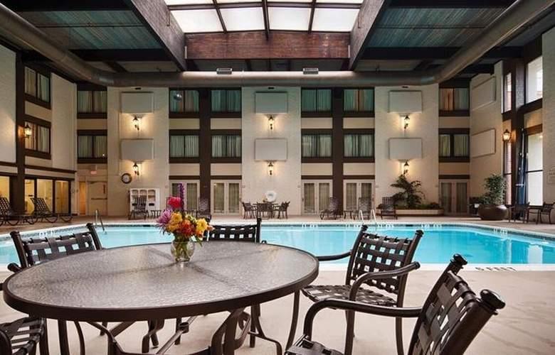 Best Western Premier The Central Hotel Harrisburg - Pool - 46