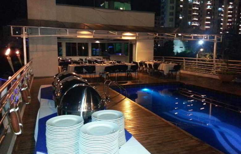 Top Deck Hotel - Terrace - 4