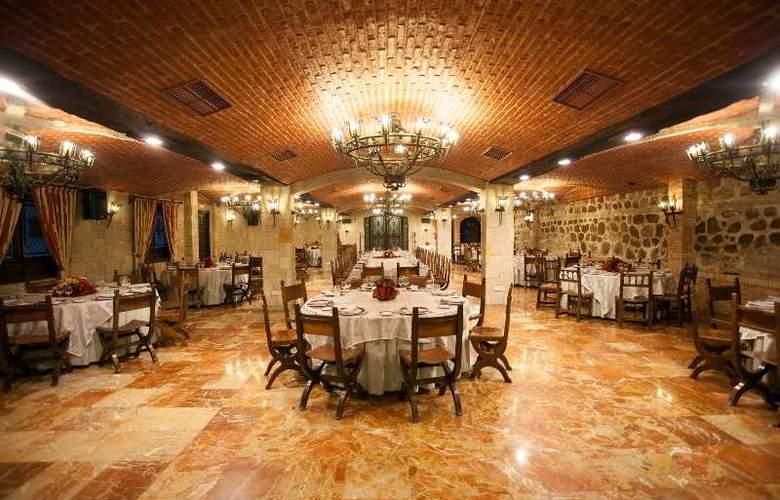 Alfonso VI - Restaurant - 55