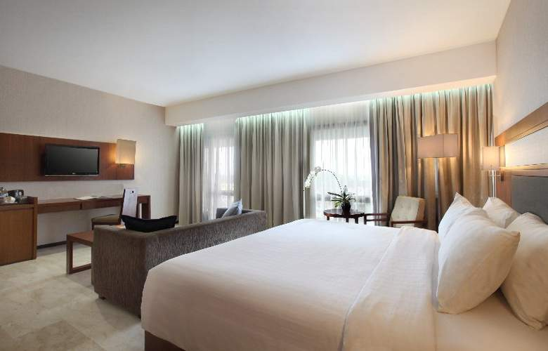 Royal Ambarrukmo Yogyakarta - Room - 8