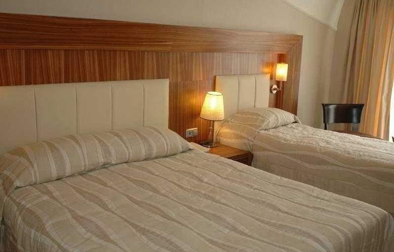 Deluxe Hotel Pinetapark - Room - 4