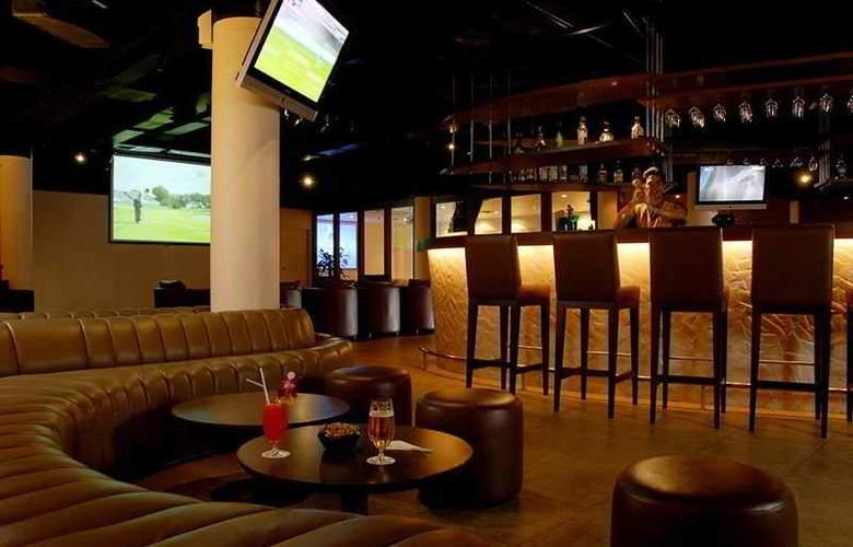 Le Meridien Phuket Beach Resort - Bar - 9