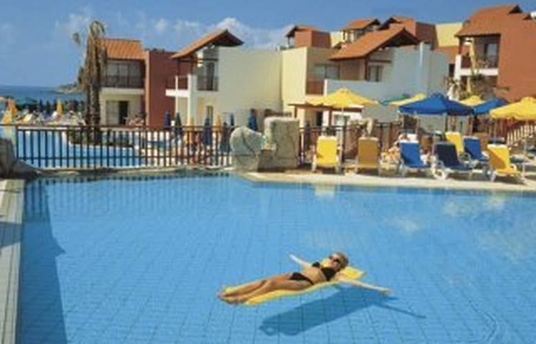 Aquasol Holiday Village - Pool - 4