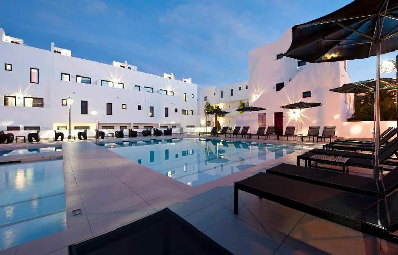 Migjorn Ibiza Suites And Spa - Pool - 10