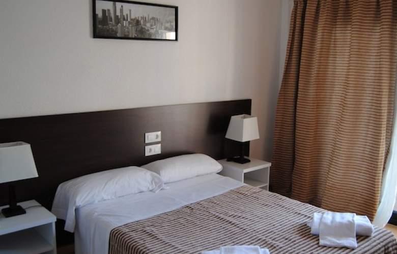 Adia Cunit Playa - Room - 11