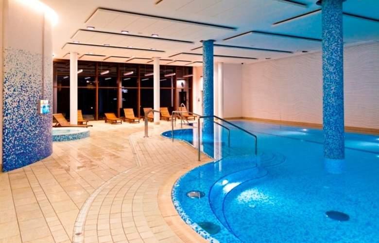 Holiday Inn Warszawa Józefów - Pool - 3
