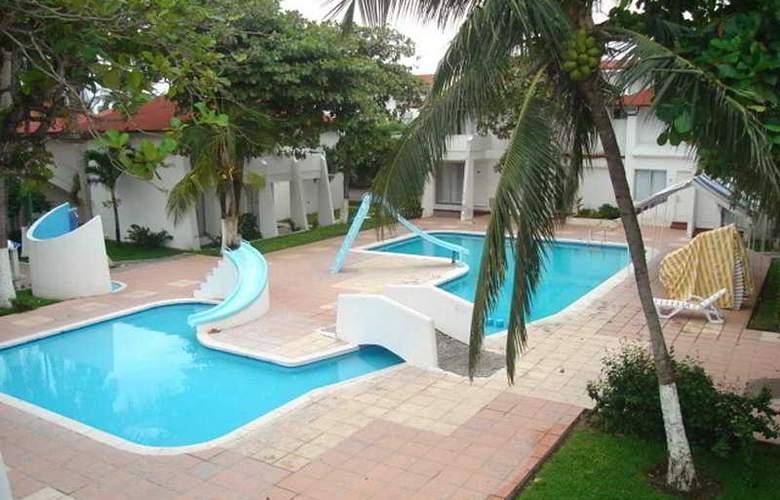 Playa Paraiso - Pool - 7