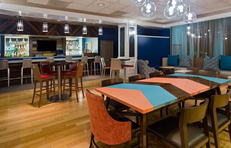 Wyndham Garden Lake Buena Vista Disney Springs Resort Area - Bar - 4