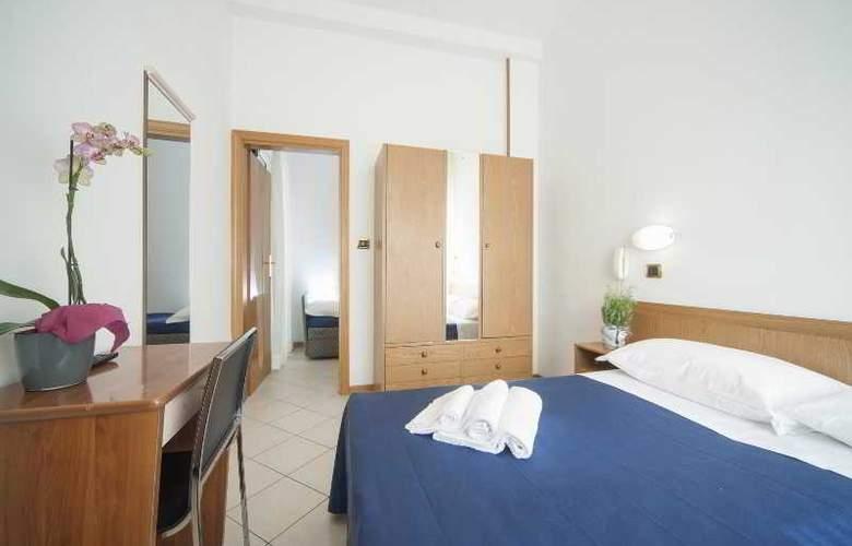 Manola - Room - 19