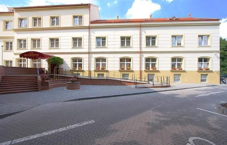 Ostruvek - Hotel - 0