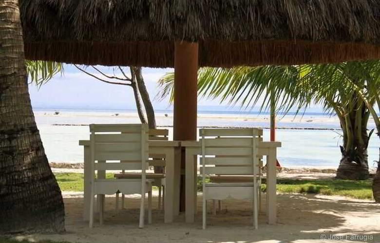 Cordova Reef Village Resort - Beach - 37