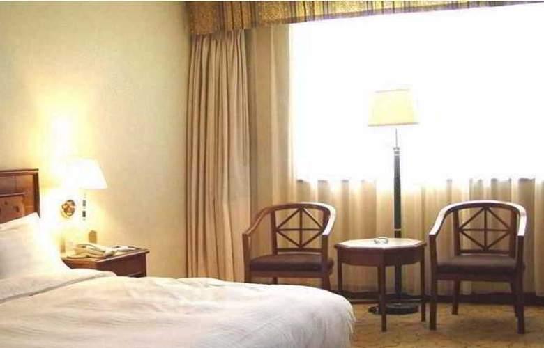 Gloria Plaza - Room - 10