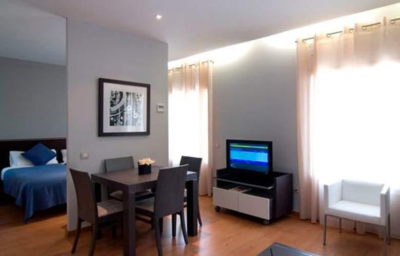 Amister Apartamentos - Room - 4
