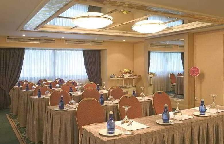 Zafolia - Conference - 5