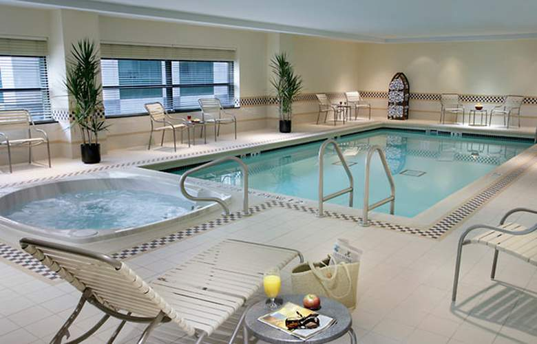 Residence Inn Toronto Downtown/Entertainment District - Pool - 2