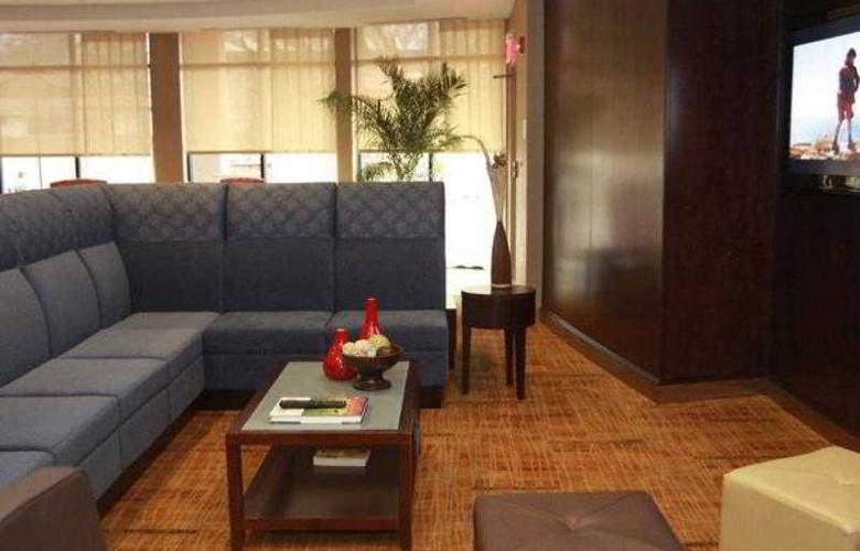 Courtyard Vicksburg - Hotel - 4