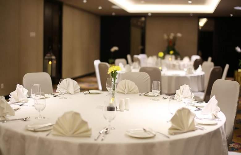 Bali Nusa Dua Hotel & Convention - Restaurant - 42