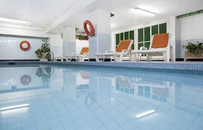 Whala Beach - Pool - 24