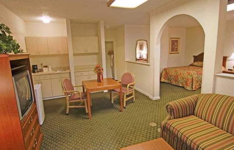 Best Western Emporia - Hotel - 1