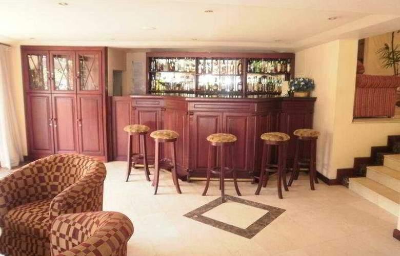 Devon - Bar - 7