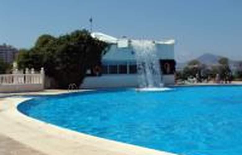 Cavanna - Pool - 41
