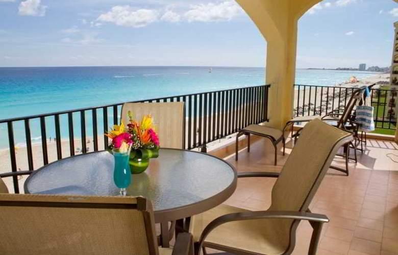 The Royal Caribbean - Terrace - 5
