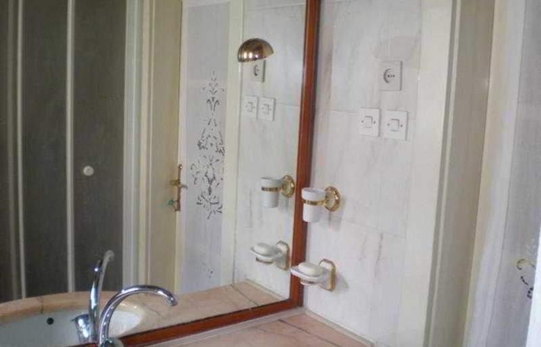 Bozinovic - Room - 5