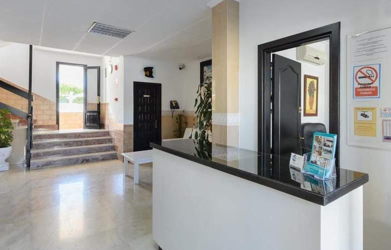 Apartamentos San Antonio Beach - General - 1