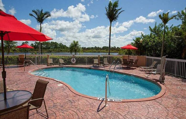 Hampton Inn Port Charlotte - Pool - 17